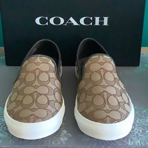 COACH KHAKI CHESTNUT 9.5B FLATS SLIP ON SHOES